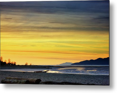 Pacific Metal Print featuring the photograph Ocean Sunset by Paul Kloschinsky