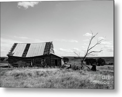 Lawton Daytime Metal Print featuring the photograph Old Barn With Tree by George Lehmann