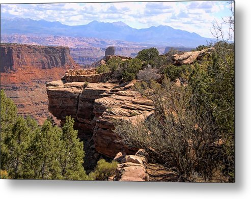 Canyonlands Metal Print featuring the photograph Red Rock Vista 2 by Nick Roberts