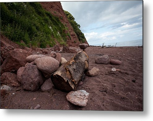 Redsand Red Sand Beach Shaldon Cornwall England Uk Capturingbritain Photosofengland Stones Wood Water Hill Green Jabbarjamil Photography Jabbarographs Jscapes Metal Print featuring the photograph Red Sand by Jabbar Jamil