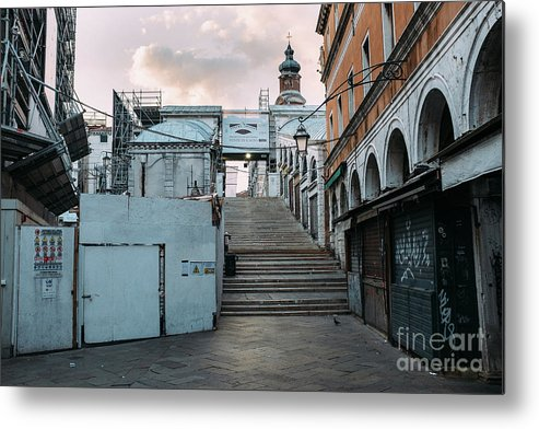 Venice Metal Print featuring the photograph Rialto Bridge In The Morning by Dirk Goldbach