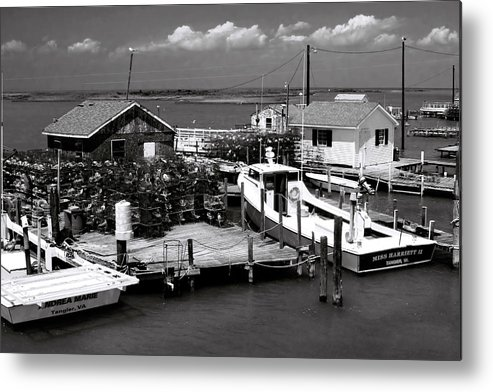 Seascape Metal Print featuring the photograph Tangier Island 1 by Alan Hausenflock