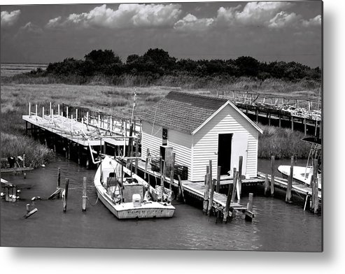 Seascape Metal Print featuring the photograph Tangier Island 2 by Alan Hausenflock
