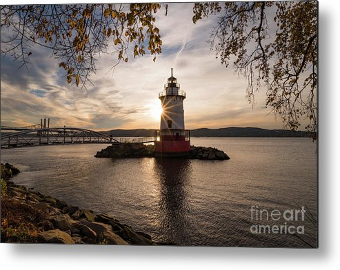 Tarrytown Metal Print featuring the photograph Tarrytown Lighthouse by Zawhaus Photography