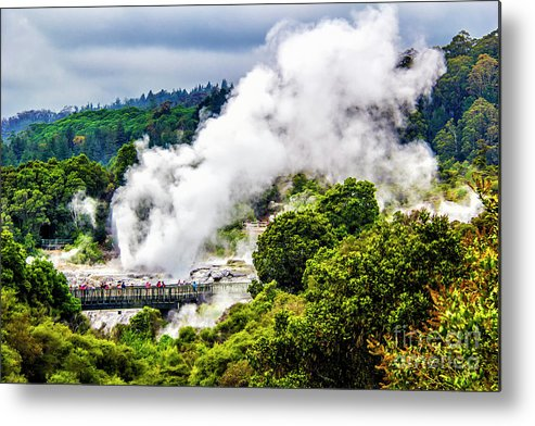 Metal Print featuring the photograph Te Whakarewarewa by Roberta Bragan