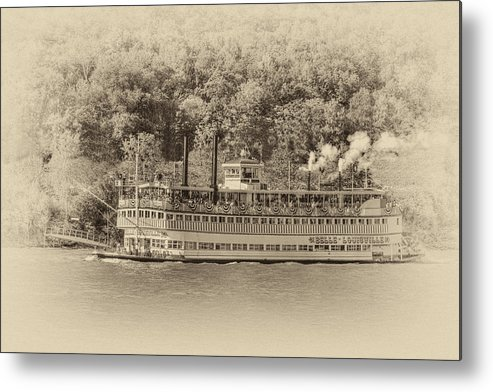 Belle Of Louisville Metal Print featuring the photograph The Belle Of Louisville by Jim Simpson