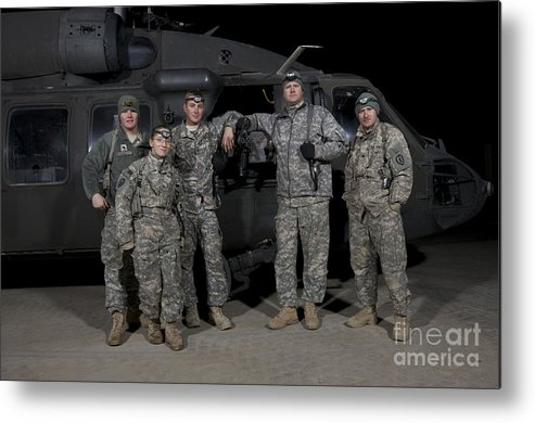 Horizontal Metal Print featuring the photograph U.s. Army Crew Chiefs Pose In Front by Terry Moore