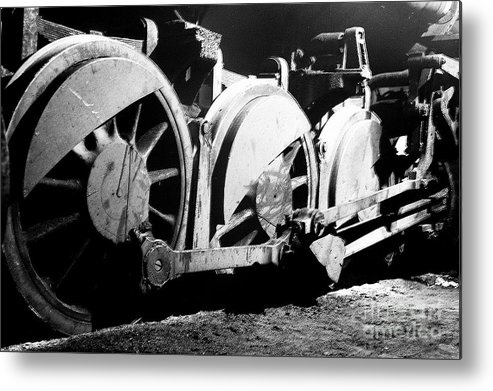 B-w Print Metal Print featuring the photograph Wheels Of Steam Engine by Greg Payne