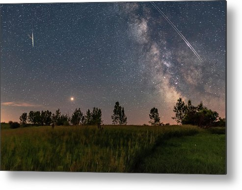 Alberta Metal Print featuring the photograph A Bright Mars Rising To The East by Alan Dyer