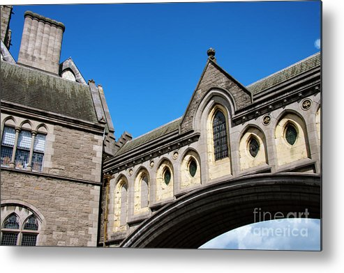Dublin Metal Print featuring the photograph Winetavern Street Arch by Bob Phillips
