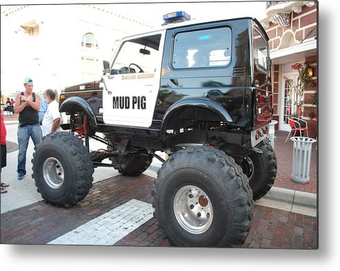Downtown Ft.myers Metal Print featuring the photograph Classic Custom Jeep by Robert Floyd