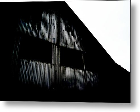 Barn Metal Print featuring the photograph Old Barn 2 by Dj Thompson