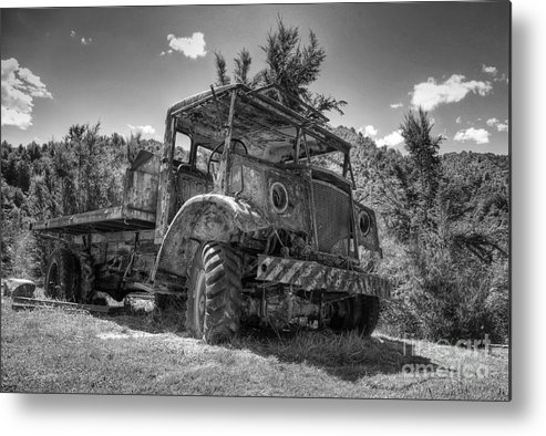 Maschinen Metal Print featuring the photograph Old Truck by Fabian Roessler