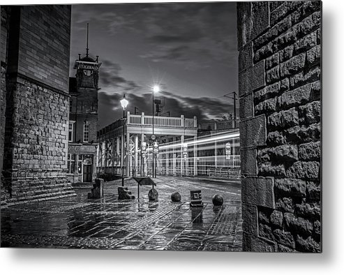 Bridge Metal Print featuring the photograph Bridge Hotel by David Pringle