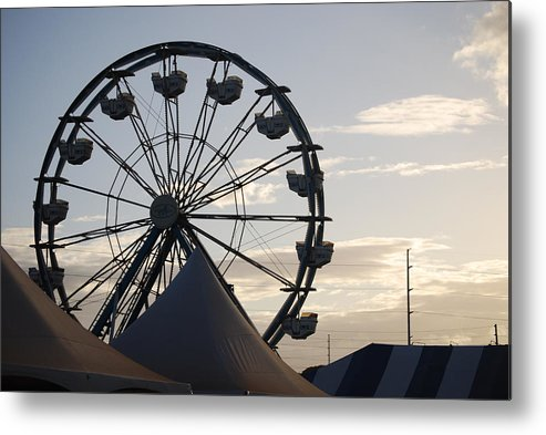 Ferris Wheel Metal Print featuring the photograph Ferris Wheel by Lakida Mcnair