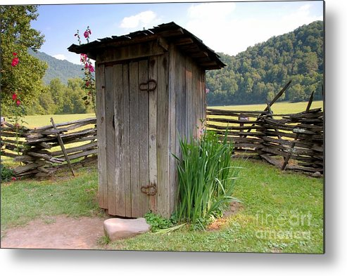 Outhouse Metal Print featuring the photograph Outhouse by David Lee Thompson