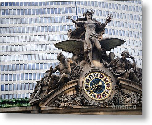 Architecture Metal Print featuring the photograph Statue At Grand Central Station by Oscar Gutierrez
