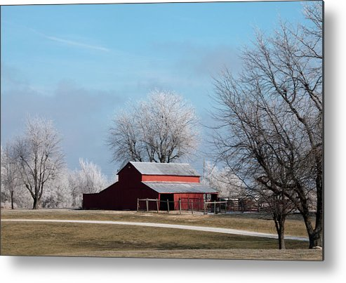 Barn Metal Print featuring the photograph Barn On Frosty Morn by David Arment