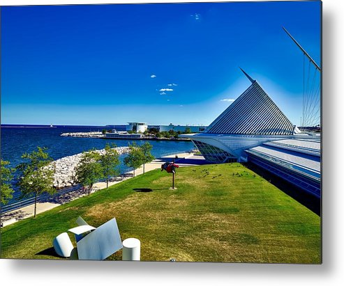 Milwaukee Metal Print featuring the photograph The Milwaukee Art Museum On Lake Michigan by Mountain Dreams