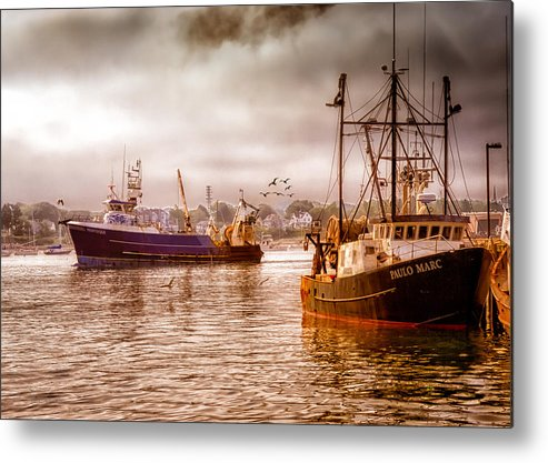 Seascape.dreamscape Metal Print featuring the photograph Heading Out by Bob Orsillo