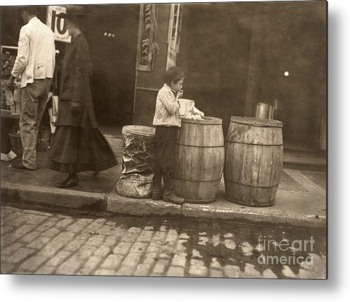 1909 Metal Print featuring the photograph Boston: Slums, 1909 by Granger