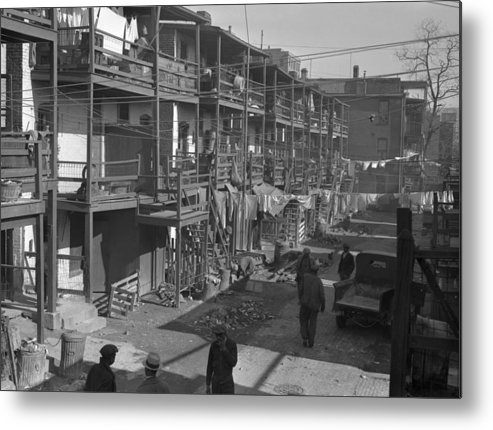 1935 Metal Print featuring the photograph Washington Slum, 1935 by Granger