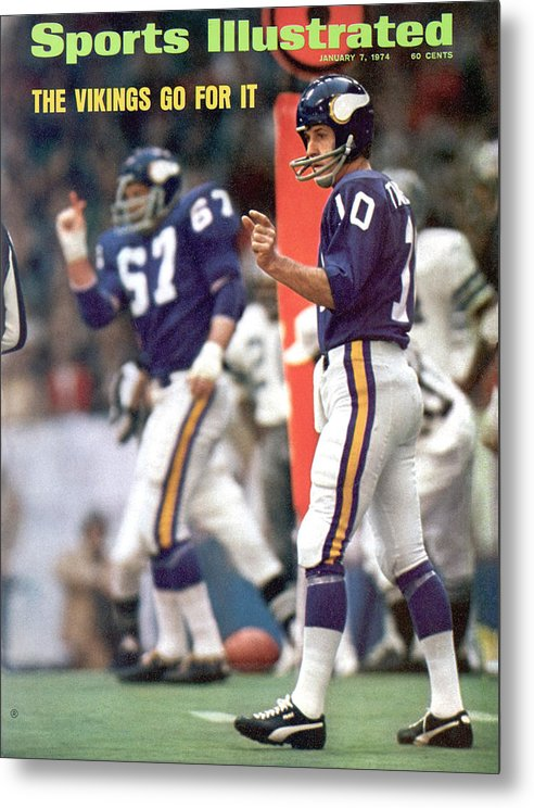 Magazine Cover Metal Print featuring the photograph Minnesota Vikings Qb Fran Tarkenton, 1973 Nfc Championship Sports Illustrated Cover by Sports Illustrated