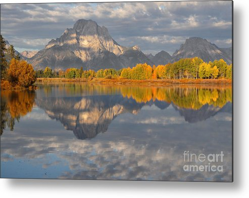 Oxbow Metal Print featuring the photograph Autumn At The Oxbow by Bill Singleton