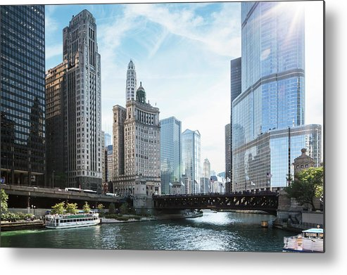 Wake Metal Print featuring the photograph Chicago River by Bjarte Rettedal