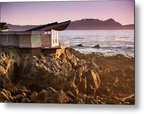 Water's Edge Metal Print featuring the photograph Luxury Home Overlooks The Big Sur by Pgiam