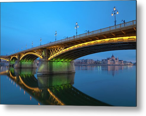 Town Metal Print featuring the photograph Margaret Bridge And The Parliament by Focusstock