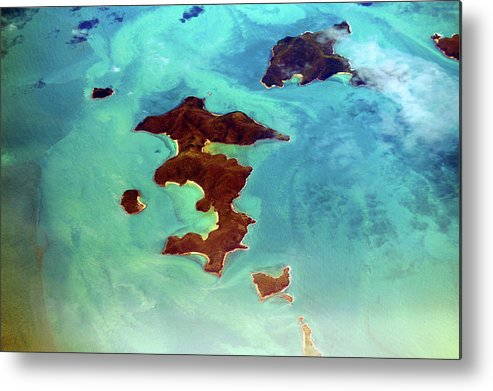 Scenics Metal Print featuring the photograph Whitsunday Islands by Photography By Mangiwau