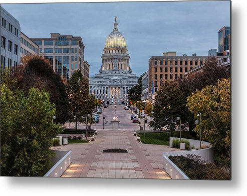 Land Vehicle Metal Print featuring the photograph Wisconsin State Capitol Building by Kenneth C. Zirkel