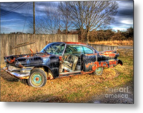 Vintage Car Metal Print featuring the photograph Roadside Rollin by Brenda Giasson