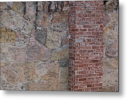 Elivis Presley Metal Print featuring the photograph Graffiti Wall Graceland Memphis Tennessee by Wayne Higgs