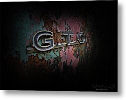 Gto Emblem Metal Print featuring the photograph Gto Emblem by Glenda Wright