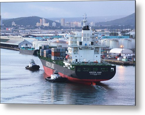 Horizon Hawk Metal Print featuring the photograph Tugs In Action by Richard Henne