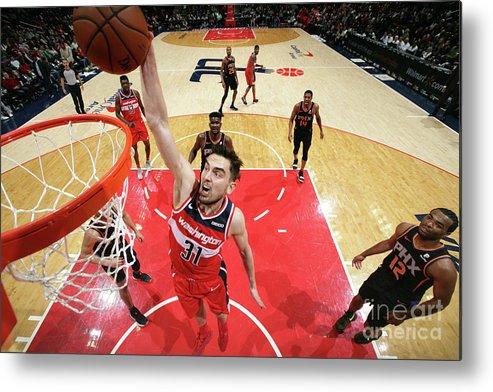 Nba Pro Basketball Metal Print featuring the photograph Phoenix Suns V Washington Wizards by Ned Dishman