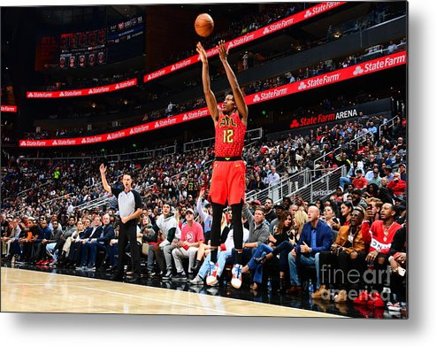 Atlanta Metal Print featuring the photograph San Antonio Spurs V Atlanta Hawks by Scott Cunningham
