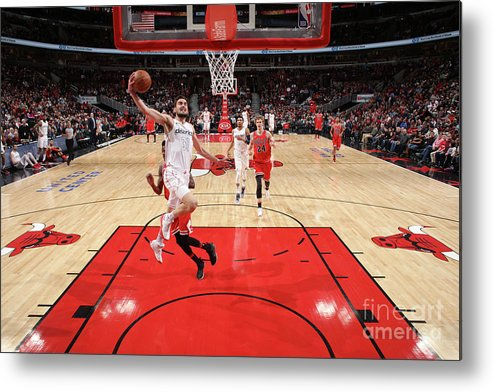 United Center Metal Print featuring the photograph Washington Wizards V Chicago Bulls by Gary Dineen