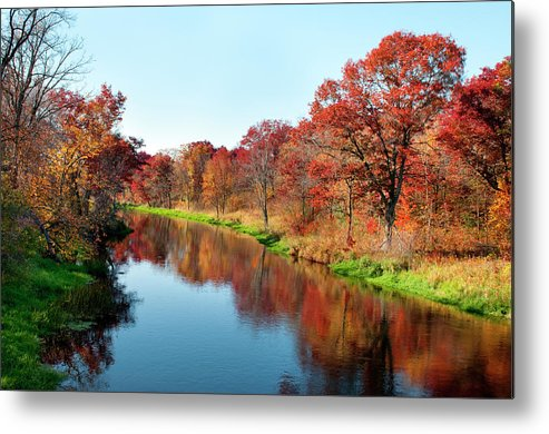 Water's Edge Metal Print featuring the photograph Autumn In Wisconsin by Jenniferphotographyimaging