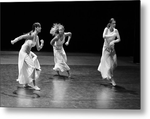 Ballet Dancer Metal Print featuring the photograph Contemporary Dance by Elkor
