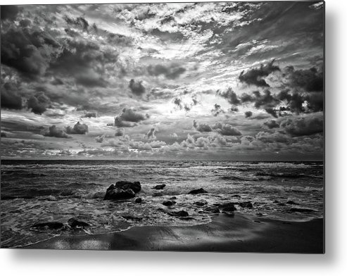 Seascape Metal Print featuring the photograph Dramatic Seascape by Steve DaPonte