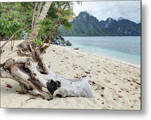 Water's Edge Metal Print featuring the photograph Exotic Beach by Vuk8691
