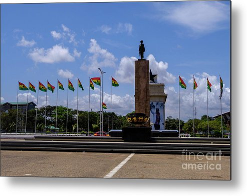 Arch Metal Print featuring the photograph Independence Square Statue by Rosn123