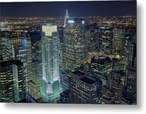 Metropolitan Life Insurance Company Tower Metal Print featuring the photograph Madison Avenue by Terence Chang
