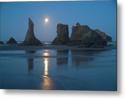 Scenics Metal Print featuring the photograph Moon Setting Over Seastacks At Low by Darrell Gulin