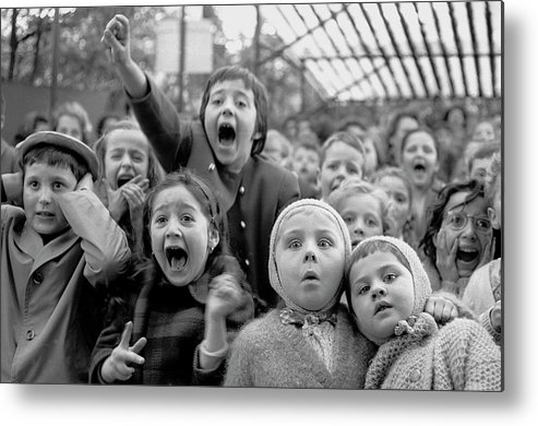 Timeincown Metal Print featuring the photograph Puppet Audience by Alfred Eisenstaedt