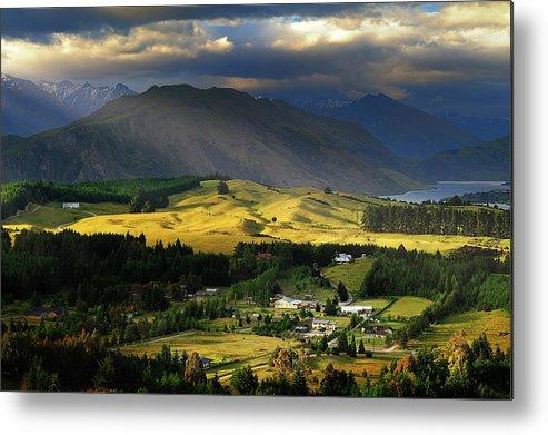 Scenics Metal Print featuring the photograph Wanaka, New Zealand by Atomiczen
