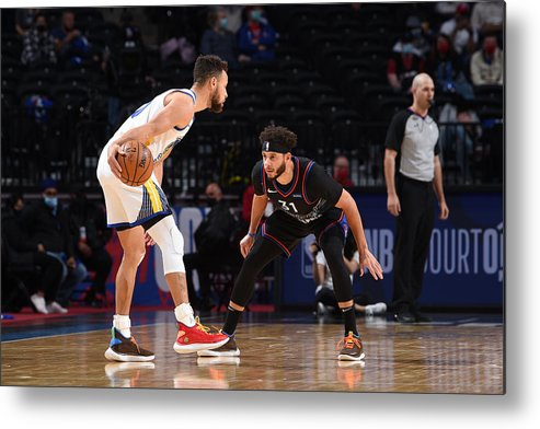 Nba Pro Basketball Metal Print featuring the photograph Stephen Curry and Seth Curry by David Dow